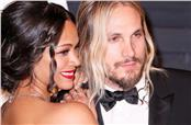Zoe Saldana and Marco Perego attend the 2015 Vanity Fair Oscar Party hosted by Graydon Carter at Wallis Annenberg Center for the Performing Arts on February 22, 2015 in Beverly Hills, Los Angeles, CA, USA. Photo by Chris Elise/ABACAPRESS.COM  | 488951_336 Los Angeles Etats-Unis United States